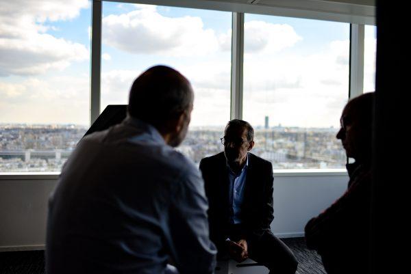 body language affects negotiation